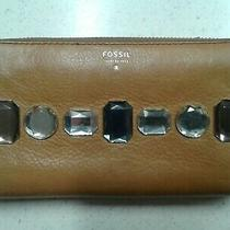 Fossil Issue No. 1954 Tan Pebbled Leather Jewelled Zip Around Wallet Rare Photo