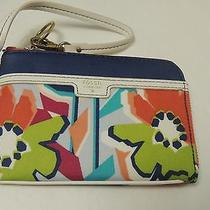 Fossil  Ivy Wristlet in Floral Design  Nwt Photo