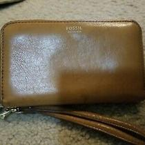 Fossil Light Brown Leather Sydney Zip Phone Wallet Size 6