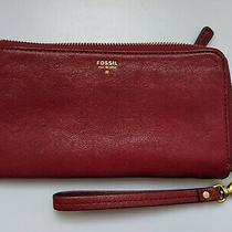 Fossil Sydney Wristlet Wallet in Cranberry Leather Photo