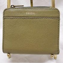 Fossil Womens Small Sage Green Leather Billfold Coin Purse Card Wallet Nwot Photo