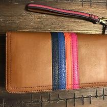 Fossil Womens Leather Wallet Photo
