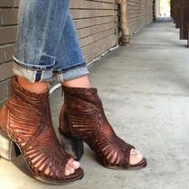Freebird Bela Cognac Distressed Braided Leather Sandal Peep Toe Booties Sz 9  Photo