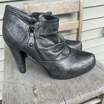 G by Guess Gray Fashion Boots Booties Heels Side Zipper Womens 9 Photo