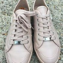 G by Guess Womens Beige Leather Sneakers Shoes Size 11 Photo