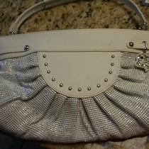 G Series White Metal and Leather Purse Photo