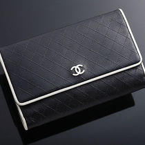G2786 Authentic Chanel Coco Genuine Leather Wallet Photo
