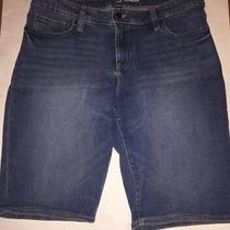 Gap Bermuda Jean Shorts Size 8 Euc Photo