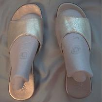 Gap Gold Leather Slide Sandals Wood Wedge Flats Shoes Flip Flops Size 5 Photo