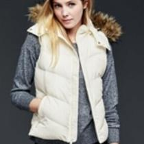 Gap Primaloft Faux Fur Trim Chevron Puffer Vest Photo