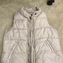 Gap Puffer Vest Jacket for Girls Sz 8 (M) Pre Owned in Good Condition. Photo
