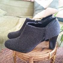 Gently Worn Liz Claiborne Gray Fabric Booties Size 6.5m Photo