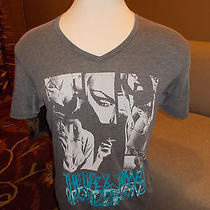 Gently Worn Men's Guess T-Shirt  Size Large Photo