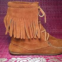 Gently Worn Minnetonka Cognac Moccasin  Boots  Size 7 Photo