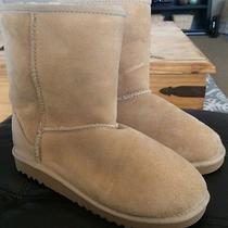 Gently Worn Ugg Short Sand Kids 4 Womens 6 / 7 Photo