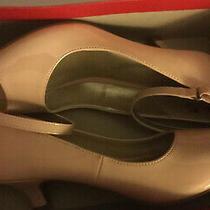 Girls  1 1/2 Pink Heels Size 4 1/2  Open Toe Peep Pump  Blush Carnation. Photo