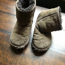 Girls Brown Short Ugg Boots Uggs Size 9 Photo