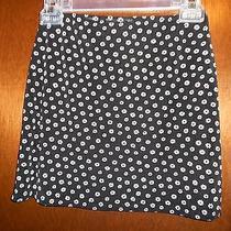 Girls' Daisy Print Summer Skirt by Print Express b&w Tricot Stretch Size X-Small Photo