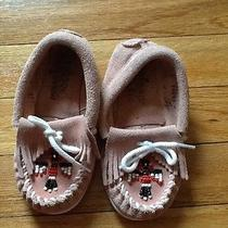 Girls Minnetonka Moccasins Pink Size 9 Little Girls Gently Worn  Photo