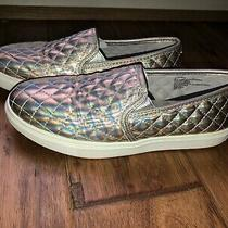 Girls Steve Madden Quilted Sneaker Shoe Metallic Rose Gold Size 4 Euc Photo