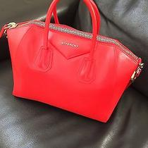 Givenchy Antigona Medium Photo