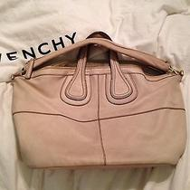 Givenchy Medium Nightingale Ivory Photo
