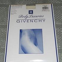 Givenchy Pantyhose Body Luxuries Style 261-Ivorie Size B-Luxury Toning Sheer-Nip Photo