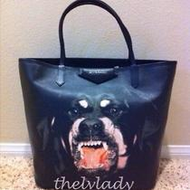 Givenchy Rottweiler Tote Medium Photo