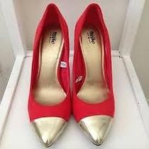 Gold Toe Red Pumps Photo