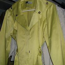 Green Trench Jacketchole' Photo