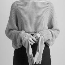 Greyhound Cropped Sweater With Knit Gloves ( Cos Acne & Other Stories Margiela ) Photo