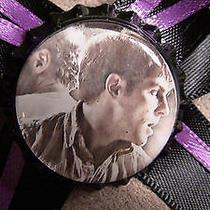 Grimm David Giuntoli Nick Burkhard on Black W/ Purple Bow Hair Clip Fantasy Tv Photo