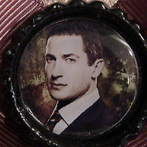 Grimm Sasha Roiz Captain Sean Renard Brown Bow Bottle Cap Hair Clip Fantasy Tv Photo