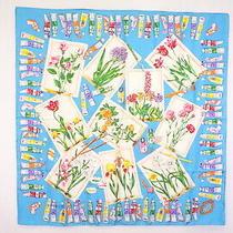 Gucci 86cm Large Format Scarf 100% Silk Floral Pattern Botanical Blue 4267k Photo