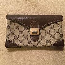 Gucci Brown Wallet Photo