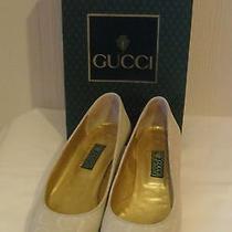 Gucci Cream Monogram Textured Micro Suede Ivory Kitten Heel Classic Pump 38 B / Photo