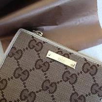 Gucci Monogrammed Women's Wallet Photo