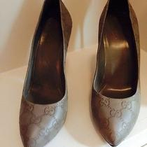 Gucci Pumps Photo
