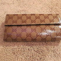 Gucci Trademark Wallet Brown    Brand New Photo