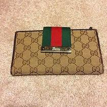 Gucci Wallet Authentic Photo