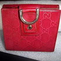 Gucci Wallet in Red Photo