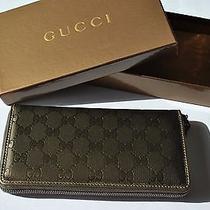 Gucci Woman's Wallet Photo