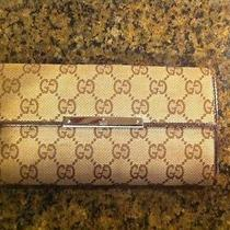 Gucci Women's Wallet Photo