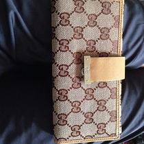 Gucci Womens Wallet Photo