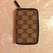 Gucci Zip Around Wallet Photo