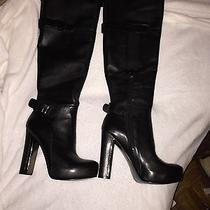 Guess Boots Photo