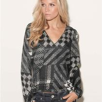 Guess Gemma Graphic Abstract Houndstooth Pattern Top Szsmall Photo