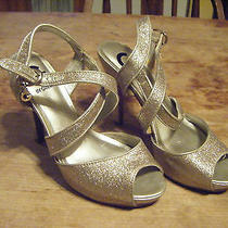 Guess Glitter Pump Heel Criss Cross Strappy Shoe Gold With Charm Size 6 1/2 Photo