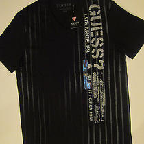 Guess Men Vertical Striped v Neck Photo