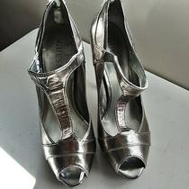 Guess Pewter Platform T-Strap Stiletto Pumps Sz 8-1/2 Med Heel 3in Photo